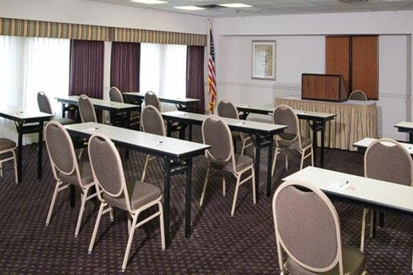 Guest House Inn & Suites Nashville Meeting Room