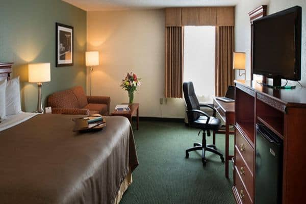 Best Western Plus Cedar Bluff Inn