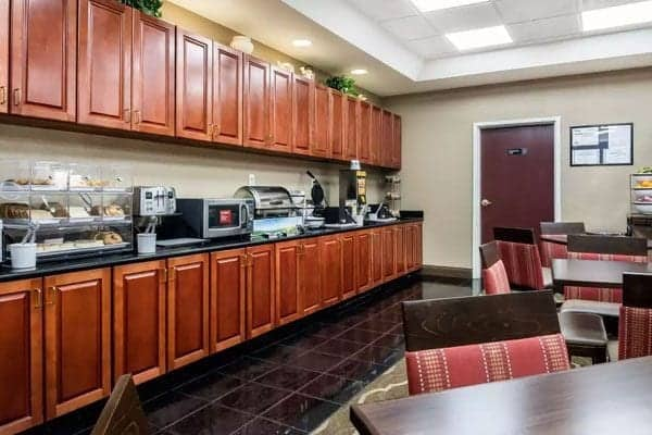 Comfort Inn & Suites Galleria in Smyrna, GA